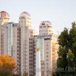 Три высотных жилых здания - Вид из парка - Украина, Одесса, 17,10,2019