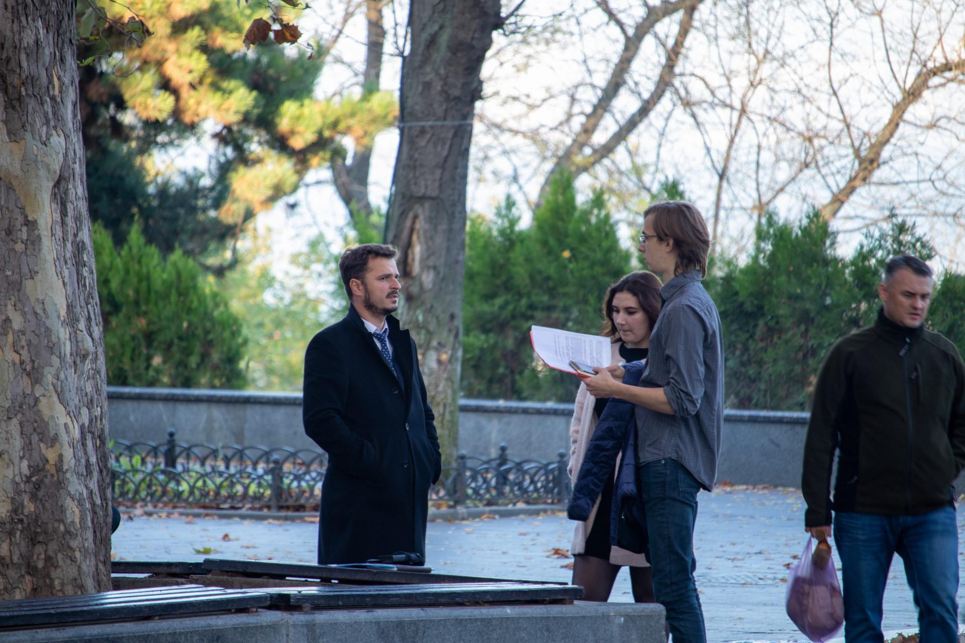 Журналисты берут интервью у чиновника в Одессе Украина – bur4ik.ru – 21.01.2020 - фото 1