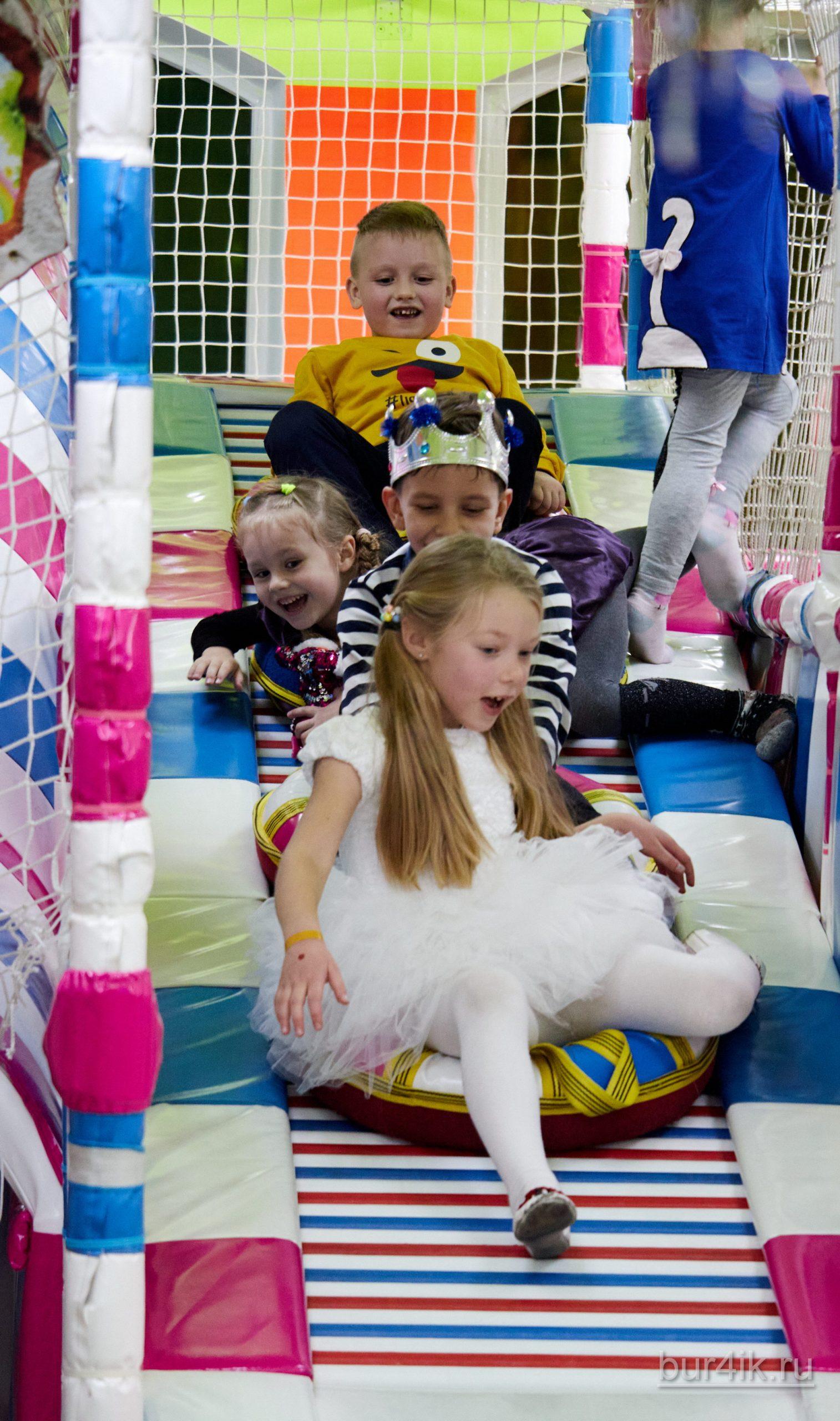 Фото Детское День Рождения в Детский Дворик 15.01.2020 №301 -photo- bur4ik.ru